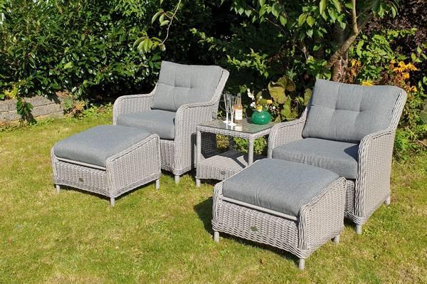 Bilde av Savanna 2 stoler+paller m/puter+bord - askegrå/fjellgrå
