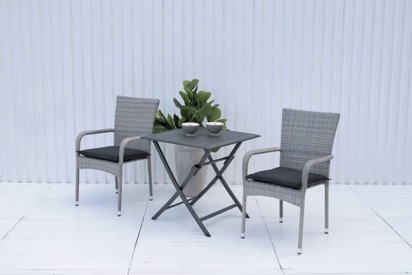 Bilde av Soria sett 2 stablestoler+bord 70x70 cm - delfingrå